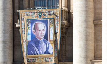 presentación canonización míguez
